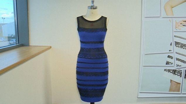 Vestido azul y negro internet