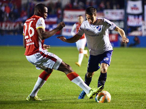 Santa Fe venció a Nacional en Uruguay