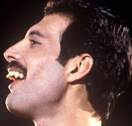 Freddy Mercury dientes