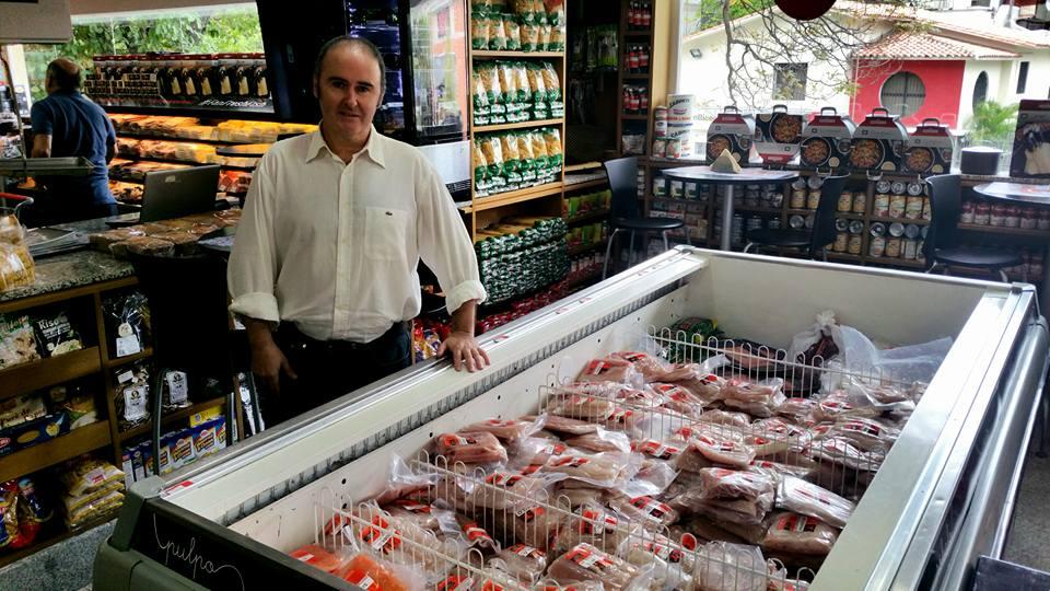 Full de comida as est n los supermercados de la clase for Fresh fish market los angeles